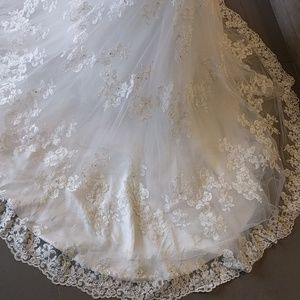 jasmine couture Dresses - Jasmine Couture ivory wedding gown low cut size 6